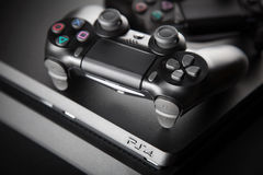 Playstation 4 κονσόλα τυχερού παιχνιδιού Στοκ Φωτογραφίες