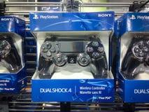 Playstation 4个控制器 库存照片