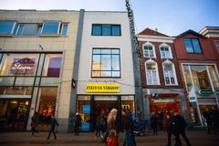 Plaza αγορών της πόλης του Γκρόνινγκεν στις διακοπές Χριστουγέννων Στοκ φωτογραφία με δικαίωμα ελεύθερης χρήσης
