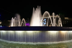 plaza Ισπανία νύχτας πηγών διακοσμήσεων Χριστουγέννων της Βαρκελώνης Καταλωνία Στοκ Εικόνα