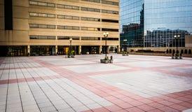 Plaza και σύγχρονα κτήρια στη Βαλτιμόρη, Μέρυλαντ Στοκ Εικόνα