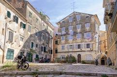 Plaza στην παλαιά πόλη του νησιού της Κέρκυρας, Ελλάδα Στοκ φωτογραφίες με δικαίωμα ελεύθερης χρήσης