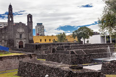 Plaza της των Αζτέκων περιοχής Πόλη του Μεξικού Μεξικό τριών πολιτισμών Στοκ Φωτογραφίες