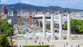 Plaza των ενετικών πύργων της Ισπανίας και Placa de Espanya, Plaza de Espana στη Βαρκελώνη, στήλες Montjuic και πηγή, Ισπανία Στοκ Φωτογραφίες