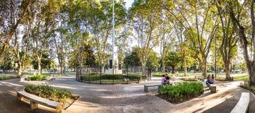 Plaza Arenales i villan Devoto i Buenos Aires, Argentina Fotografering för Bildbyråer