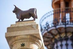 Plaza Carlos Castel Spain de statue d'EL Torico d'Aragon Teruel images libres de droits