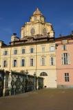 Plaza Castello y borrado de Royal Palace en Turín - Piedmo fotos de archivo