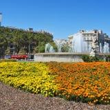Plaza Catalunya i Barcelona, Spanien Arkivbilder