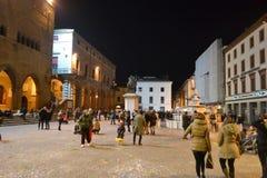 Plaza Cavour en la noche Foto de archivo