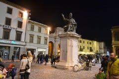 Plaza Cavour en la noche Imágenes de archivo libres de regalías