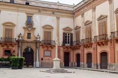 Plaza Croce Dei Vespri, Palermo imagen de archivo libre de regalías