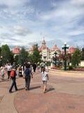 Plaza da central do parque de Disneylândia Fotografia de Stock Royalty Free