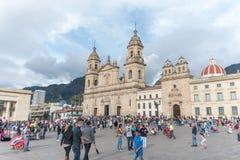 Plaza de波利瓦和波哥大大教堂 免版税库存照片