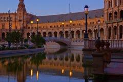 plaza de西班牙在晚上,塞维利亚,西班牙 免版税库存图片