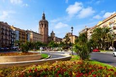 Plaza de Λα Reina και πύργος Micalet στη Βαλένθια, Ισπανία Στοκ φωτογραφία με δικαίωμα ελεύθερης χρήσης