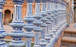 陶瓷桥梁在Plaza de西班牙在塞维利亚 库存图片