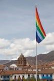 Plaza de Armas σε Cuzco με τη σημαία του Στοκ Φωτογραφίες