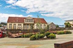 Plaza de Armas Square - Chonchi, Chiloe ö, Chile fotografering för bildbyråer