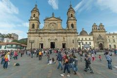 Plaza de Bolivar och Bogota domkyrka arkivfoto