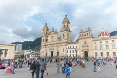 Plaza de Bolivar och Bogota domkyrka royaltyfria foton