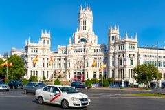 Plaza de Cibeles και το παλάτι Cibeles, ένα σύμβολο της Μαδρίτης Στοκ Εικόνα
