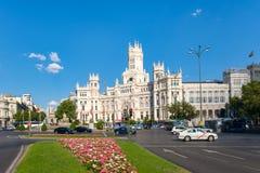 Plaza de Cibeles και το παλάτι Cibeles, ένα σύμβολο της Μαδρίτης Στοκ φωτογραφία με δικαίωμα ελεύθερης χρήσης