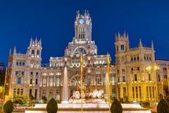 Plaza de Cibeles i Madrid på natten Fotografering för Bildbyråer
