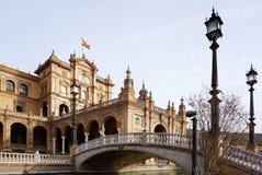 Plaza de España mit spanischer Flagge Lizenzfreies Stockbild