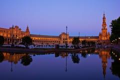 Plaza de Espa; τη νύχτα, Σεβίλη, Ισπανία Στοκ φωτογραφία με δικαίωμα ελεύθερης χρήσης