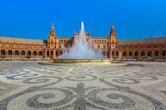 Plaza de Espana στην ηλιόλουστη ημέρα στη Σεβίλη, Ισπανία Στοκ Φωτογραφίες
