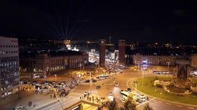 Plaza de Espana στη Βαρκελώνη, τοπ άποψη τη νύχτα, φωτεινοί σηματοδότες φιλμ μικρού μήκους
