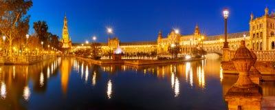 Plaza de Espana τη νύχτα στη Σεβίλη, Ισπανία Στοκ Φωτογραφία