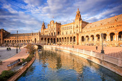 Plaza de Espana (den Spanien fyrkanten) i Seville, Spanien Arkivfoto