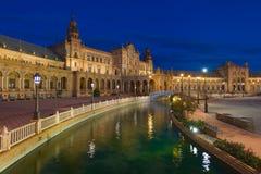 Plaza de Espana i Seville på natten Arkivbilder