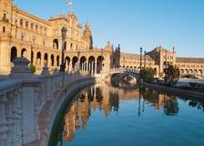 Plaza de Espana i Seville på solnedgången Royaltyfria Bilder