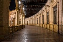 Plaza De Espana På natt, Seville Spanien royaltyfri bild