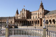 Plaza de Espana Sevilla, Andalucía, España, Europa. View of the central building from one of the pond bridges Royalty Free Stock Photo