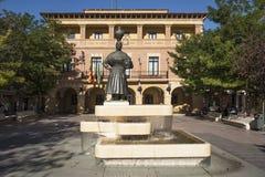 Plaza de Espana y ayuntamiento en Fraga, España imagen de archivo