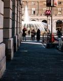 Plaza de Ferrari en Génova con su fuente en el fondo Imagenes de archivo