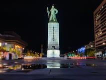 Plaza de Gwanghwamun avec la statue du Sun-péché d'amiral Yi Photo stock