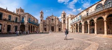 Plaza de la Catedral - havannacigarr, Kuba royaltyfri foto