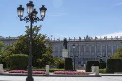 Plaza de Oriente und Royal Palace, Madrid, Spanien stockfotos