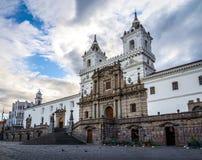 Plaza de San Francisco och St Francis Church - Quito, Ecuador Royaltyfri Fotografi
