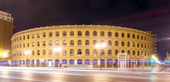 Plaza de toros στη νύχτα. Βαλένθια Στοκ εικόνα με δικαίωμα ελεύθερης χρήσης
