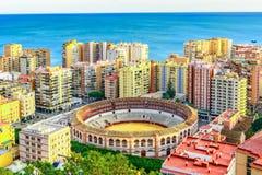 Plaza de Toros & x28; bullring& x29; nella priorità alta, Malaga, Andalusia, Costa del Sol, Spagna, Europa Immagini Stock Libere da Diritti