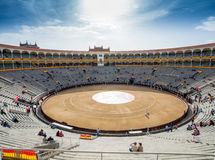 Plaza de Toros de Las Ventas εσωτερική άποψη με το gatheri τουριστών Στοκ εικόνες με δικαίωμα ελεύθερης χρήσης