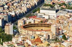 Plaza de toros, la arena de la tauromaquia en Alicante, España Fotos de archivo