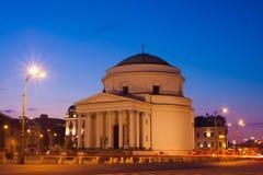 Plaza de três cruzes em Varsóvia na noite Fotografia de Stock Royalty Free