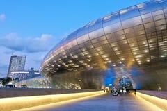 Plaza del diseño de Dongdaemun Imágenes de archivo libres de regalías