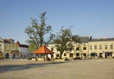 Plaza del mercado en Krosno polonia Fotos de archivo libres de regalías